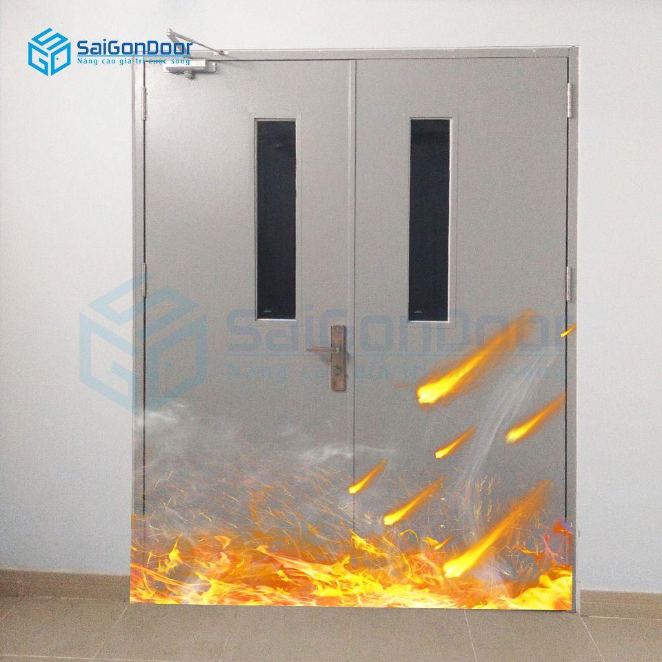 Cửa thép 2 cánh gắn ô kính chống cháy